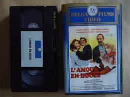 L'AMOUR EN DOUCE / DANIEL AUTEUIL- BEART  VHS CASSETTES - Comedy