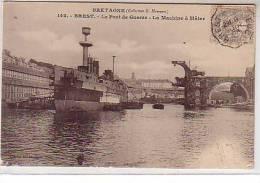 29 Brest - Le Port De Guerre - La Machine à Mâter - Bateau Militaire à Quai - Collection  N° 142 Cliché Huberdeau - Brest