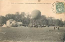 51 CAMP DE CHALONS USINE A HYDROGENE GONFLEMENT D´UN BALLON DIRIGEABLE - Dirigeables