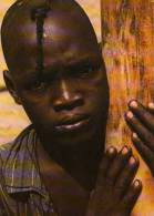 Burkina Faso Photo Claude Sauvageaot, Jeune Garcon Contre Un Arbre - Burkina Faso