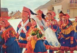 FINLANDE LAPONIE Cpsm Groupe De Personnages En Costumes Gros Plan - Finland