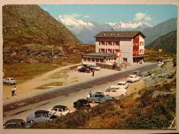 Morris Minor, VW 1200 Coccinelle, Simca Aronde, Skoda 1102, DKW 3=6, Alfa Romeo Giulietta Coupé, Hotel Simplonpass - PKW