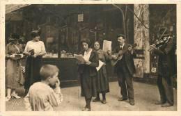 75 PARIS LES CHANTEURS DE RUE ECRITE ET VOYAGEE EN 1924 - Artigianato Di Parigi