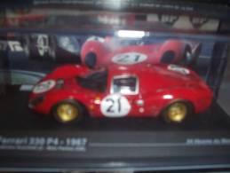 Maquette FERRARI 330 P4 (n°21) (1967) 1/43 - Cars