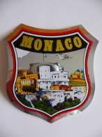 LOT DE 2 AUTOCOLLANTS DE MONACO - Autres Collections