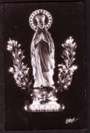 LOURDES - La Vierge Couronnée Illuminée - Circulé - Circulated - Gelaufen - 1961. - Vierge Marie & Madones
