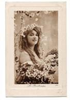Portrait Très Belle Jeune Fille Au Milieu De Fleurs - Egérie Du Printemps - Marquise En Relief - Carte Vierge - Femmes