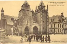 CPA SAINT BRIEUC - CATHEDRALE ET HOTEL DE VILLE - Saint-Brieuc