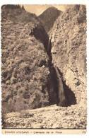 (RECTO / VERSO) BOURG D' OISANS EN 1950 - CASCADE DE LA PISSE - N° 29 - PLIS D' ANGLE EN BAS A DROITE - Bourg-d'Oisans