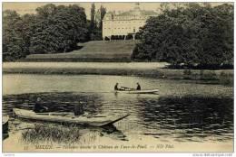 77- Vaux-le Pénil-Pêcheurs Devant Le Château- 2 Barques - Frankrijk