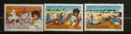Mauritanie 1990 N° 647 / 9 ** Réinsertion, Populations Rapatriées, Sénégal, Pauvreté, Village De Toile, Puits, Couture - Mauritanië (1960-...)