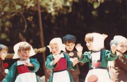 ¤¤  -  Kermesse D'Enfants  -  BECASSINE  -  Petites Filles  -  Voir Déscription  -  ¤¤ - Fairy Tales, Popular Stories & Legends