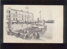 14 Honfleur Débarquement Des Passagers Venant Du Havre édit. ND N° 1 Animée Bateau à Roues , Hôtel Du Cheval Blanc Café - Honfleur