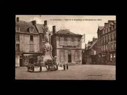 50 - CARENTAN - Place De La République Et Monument Aux Morts - 70 - Carentan