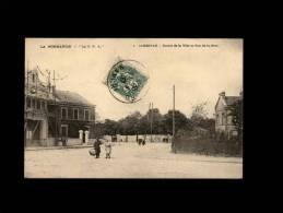 50 - CARENTAN - Entrée De La Ville Et Rue De La Gare - 1 - échaffaudage - Carentan