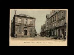 50 - CARENTAN - Place De La République Et La Rue Du Château - Carentan