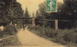 BUTHIERS - Pont Rustique Sur La Buthiers Animé Bel Aspect Toilé Plastifié Vieux Personnage Barbu Homme Sur Pont - Other Municipalities