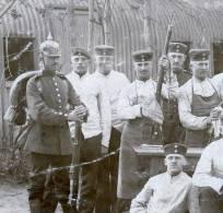 1 CPA - PHOTO - Weapons Clean - Armes Blanches - Waffen Reinigen - Dörnitz - Truppenübungsplatz Altengrabow - Weltkrieg 1914-18