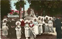 CPA 62 BOULOGNE SUR MER Notre Dame De Boulogne Un Jour De Procession Entourée De Marins Et Matelotes ( En Costume Région - Boulogne Sur Mer