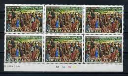 NEW  ZEALAND    1964      Christmas    Block  Of  6      MNH - Blocks & Sheetlets