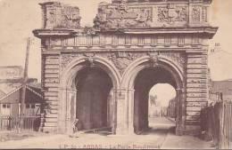 62 - Arras - La Porte Baudimont (animée, Cabane,...) - Arras