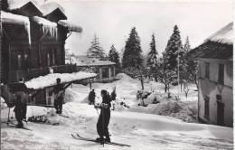 5723 - Les Avants En Hiver Skieurs - VD Vaud