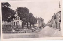 ¤¤  -  639   -  BRIOUX-sur-BOUTONNES   -  La Grand'Rue  -  La Poste   -  ¤¤ - Brioux Sur Boutonne