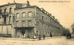 CPA 89 AVALLON GRAND HOTEL CHAPEAU ROUGE  Animée - Avallon