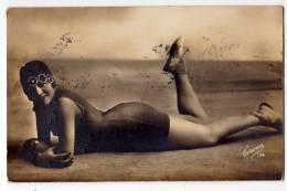 FASHION WOMAN IN THE BATHING COSTUME CORONA Nr. 114 OLD POSTCARD - Fashion