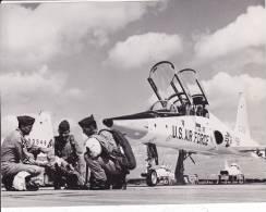 Us Air Force - T-38 - PHOTO CONSTRUCTEUR - 20 X 15 CM  (voir Scan 2) - Aviation