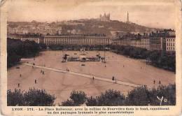 LYON. Place Bellecour. - Lyon