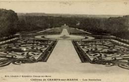 77 -CHAMPS-sur-MARNE- Le Chateau-,Les Dentelles - Frankreich