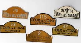 """Lot De 6 Plaques Tour De Corse """" Alu """" Du  Pilote Henri Greder + 1 Chaine Et Plaque 4ème Tour De Corse - Habillement, Souvenirs & Autres"""