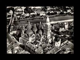 24 - PERIGUEUX - Vue Aérienne Sur La Cathédrale Saint-Front - 7.821 - Périgueux