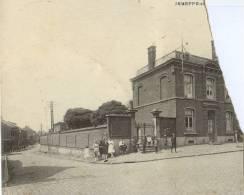 JEMEPPE-SUR-SAMBRE - Maison Communale  (Partie De Carte Postale, Restante Après Déchirure) - Jemeppe-sur-Sambre