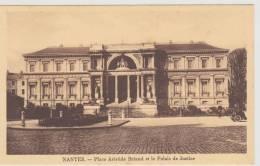 NANTES - PLACE ARISTIDE BRIAND ET LE PALAIS DE JUSTICE - Nantes