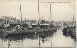 Cpa Caen 14 Calvados Dans Le Port Torpilleur Sous Marin Militaire Guerre - Caen