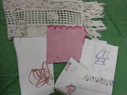 Lot  Ruban-chemise-napperon-centre De Table-monogramme Etc...lot 10 - Laces & Cloth