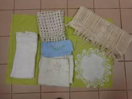 Lot  -chemise-napperon-rideau+ Decor Filet De Peche+porte Serviette Decor Muguet Etc...lot 11. - Laces & Cloth