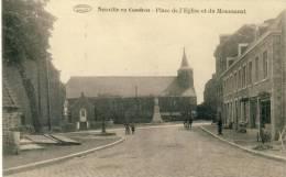 Neuville En Condroz - Place De L´Eglise Et Le Monument ( Voir Verso ) - Neupré
