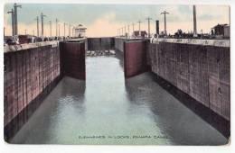 AMERICA PANAMA SUBMARINES IN LOCKS, PANAMA CANAL OLD POSTCARD - Panama