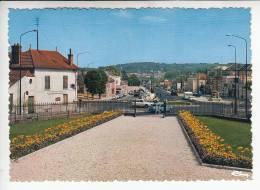 ETAMPES 91 - Boulevard De La Victoire - Jolie CPSM Dentelée GF Peu Fréquente N° 0080 - Essonne - Etampes