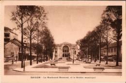 CPA  POST CARD - SAIGON Indochine Viêt Nam - Le Boulevard Bonnard Et Le Théâtre Municilal - Viêt-Nam