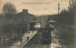 Varennes Jaulgonne La Gare Train Loco Beau Plan  Ed. Charau - France