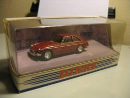 DINKY COLLECTION DY-19 MG B GT V8 1973 - Dinky