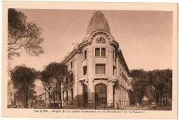 CPA  POST CARD - SAIGON Indochine Viêt Nam - Angle De La Place Gambetta Et Du Boulevard De La Somme - Viêt-Nam