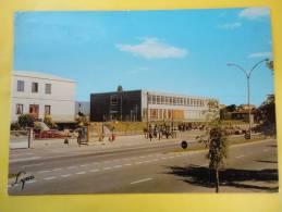 Gonesse (95)  Le Lycée - Gonesse
