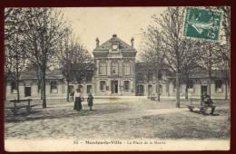 Cpa  Du  78  Mantes La Ville   La Place De La Mairie      BHU23 - Mantes La Ville