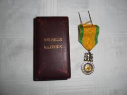 """Médaille Militaire """"valeur Et Discipline"""" - Medaillen & Ehrenzeichen"""