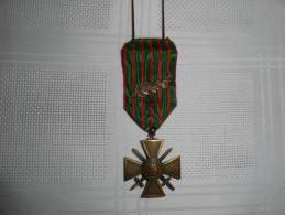 Croix De Guerre Avec Palme Et étoile - Medaillen & Ehrenzeichen